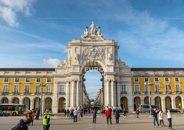 The-Rua-Augusta-Arch-Lisbon-Portugal - Photographs of Lisbon and Cascais, Portugal.