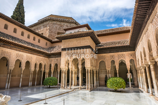 Courtyard-Lions-Palace-Granada-Spain - Photographs of Granada, Spain