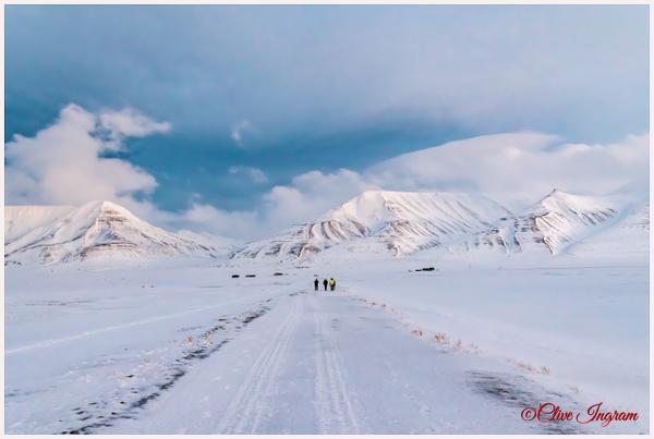 Mountain Walk - Arctic - Ingymon Photography