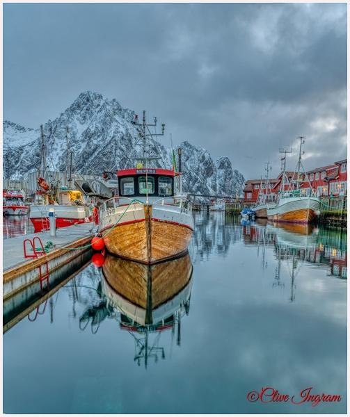 Boats at anchor - Arctic - Ingymon Photography