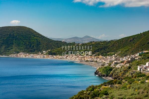 Small-town-Lipari-Aeolian-Islands-Italy - Photographs of the Aeolian Islands, Italy