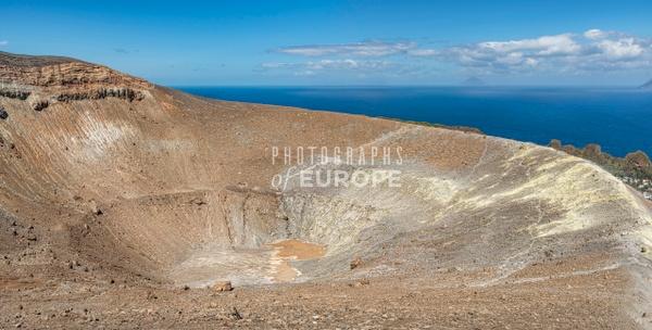 Volcanic-crater-Vulcano-Aeolian-Islands-Italy-2 - Photographs of the Aeolian Islands, Italy