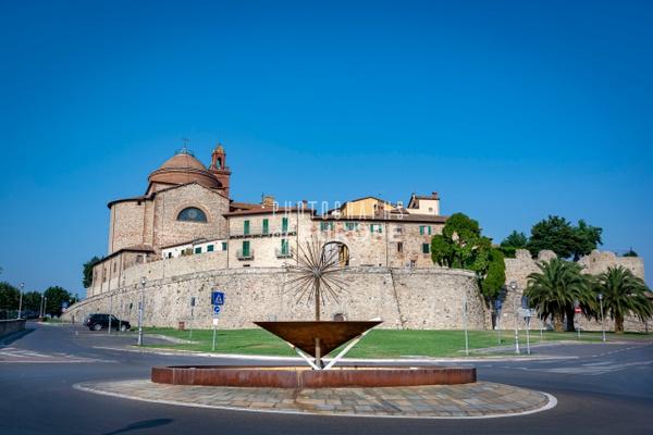 Gate-to-Castiglione-del-Lago-Perugia-Umbria-Italy - Photographs of Umbria, Italy