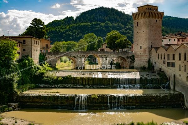 Bridge-over-Metauro-River-Fermignano-Italy - Photographs of Umbria, Italy