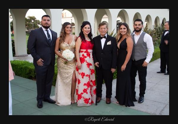 Familia de la novia - Home - Rupert Edward
